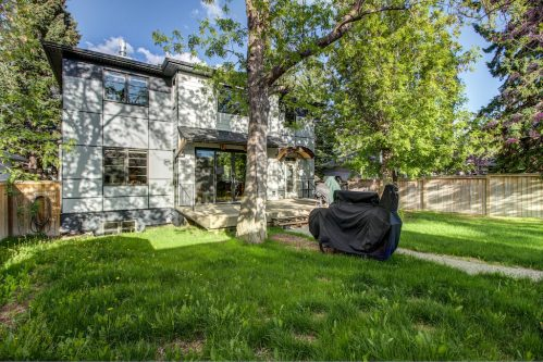 trees-landscaping-landscaping-3119-Kilkenny-Drive-SW-Killarney-Calgary-Real-Estate-Homes-For-Sale-Plintz-Realtor-Dennis