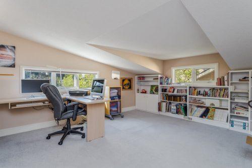 loft office at 619 Crescent Boulevard SW