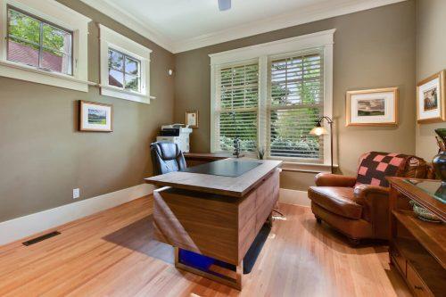 Office desk at 1420 Joliet Avenue SW