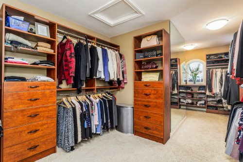 Walk-in closet luxury home for sale 32 Wentwillow Lane SW Plitnz Real Estate