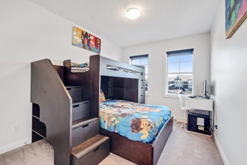 Bedroom with bunkbeds in Evanston Calgary