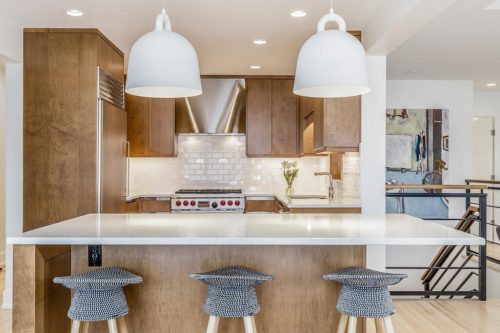 Luxury kitchen with quartz countertops at 539 48 Avenue SW in Calgary's inner city for sale by Plintz Real Estate.