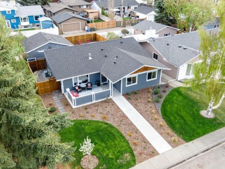 Aerial view of 460 Lake Topaz Crescent SE