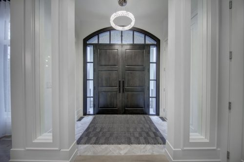 Grand foyer of 907 Edinburgh Road SW Calgary home for sale by Plintz Real Estate