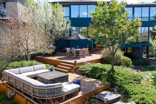 Three tiered deck at 120 Wildwood Drive SW for sale by Realtor Dennis Plintz in Calgary